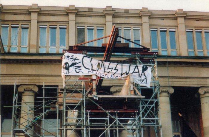 1991: Gemeinsames Transparent der ASJ Stuttgart und der Anarcho-Skins Stuttgart
