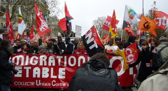 Frankreich_SansPapiers-Demo-2009-11-29-01.jpg