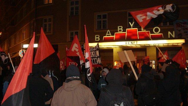 kino_babylon_mitte_dezember_2009__demo_gewerkschaf.jpg