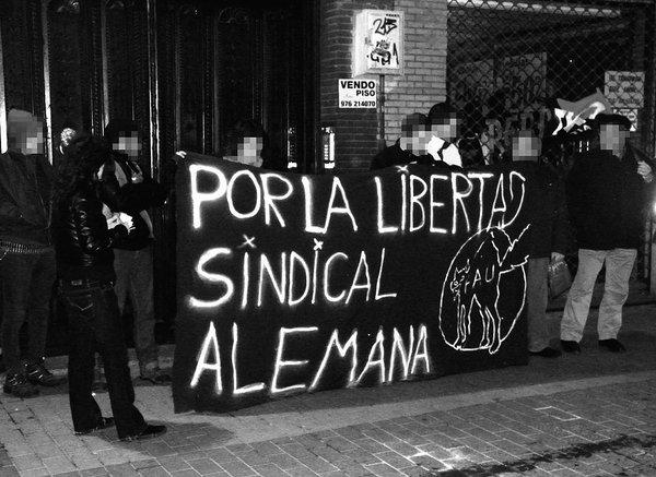 Zaragoza, 29. Januar: Mitglieder der CNT veranstalteten vor dem deutschen Konsulat eine Solikundgebung für die FAU Berlin.