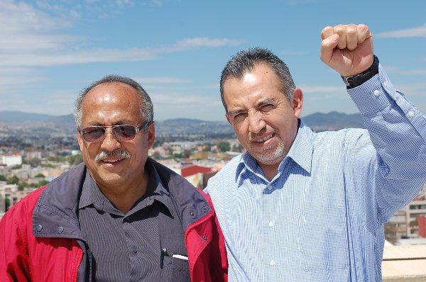 Antonio Almazen, Pensionär und ehemaliger Sekretär für Internationales (rechts) und Dante Trejo Reyes, Mitarbeiter des Generalskretärs (links). Bild: Julia Hoffmann