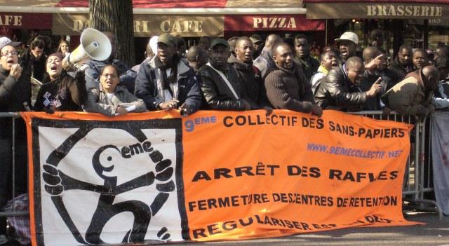 """Demonstration gegen die Einweihung des """"Nationalen Museums der Einwanderung"""", die so verhindert werden konnte (30. März 2009, Quelle: CNT-F)"""