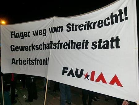 Die FAU Frankfurt auf der Demonstration gegen den hessichen Unternehmertag