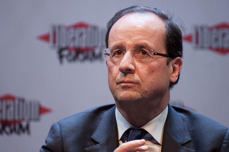 """Wird in deutschen Medien ernsthaft als """"Linker"""" verteufelt: Präsident Hollande wandelt auf Gerhard Schröders Spuren (Quelle: Wikimedia Commons)"""