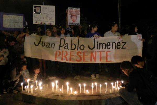 Für die Menschen auf dieser Mahnwache ist der Fall des getöteten Gewerkschafters Jimenez ein Rückfall in die schlimmsten Zeiten der chilenischen Geschichte