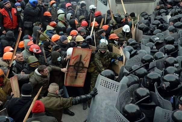 Einer der Kämpfe in der Grushevskogo Street, wahrscheinlich vom 19. Januar