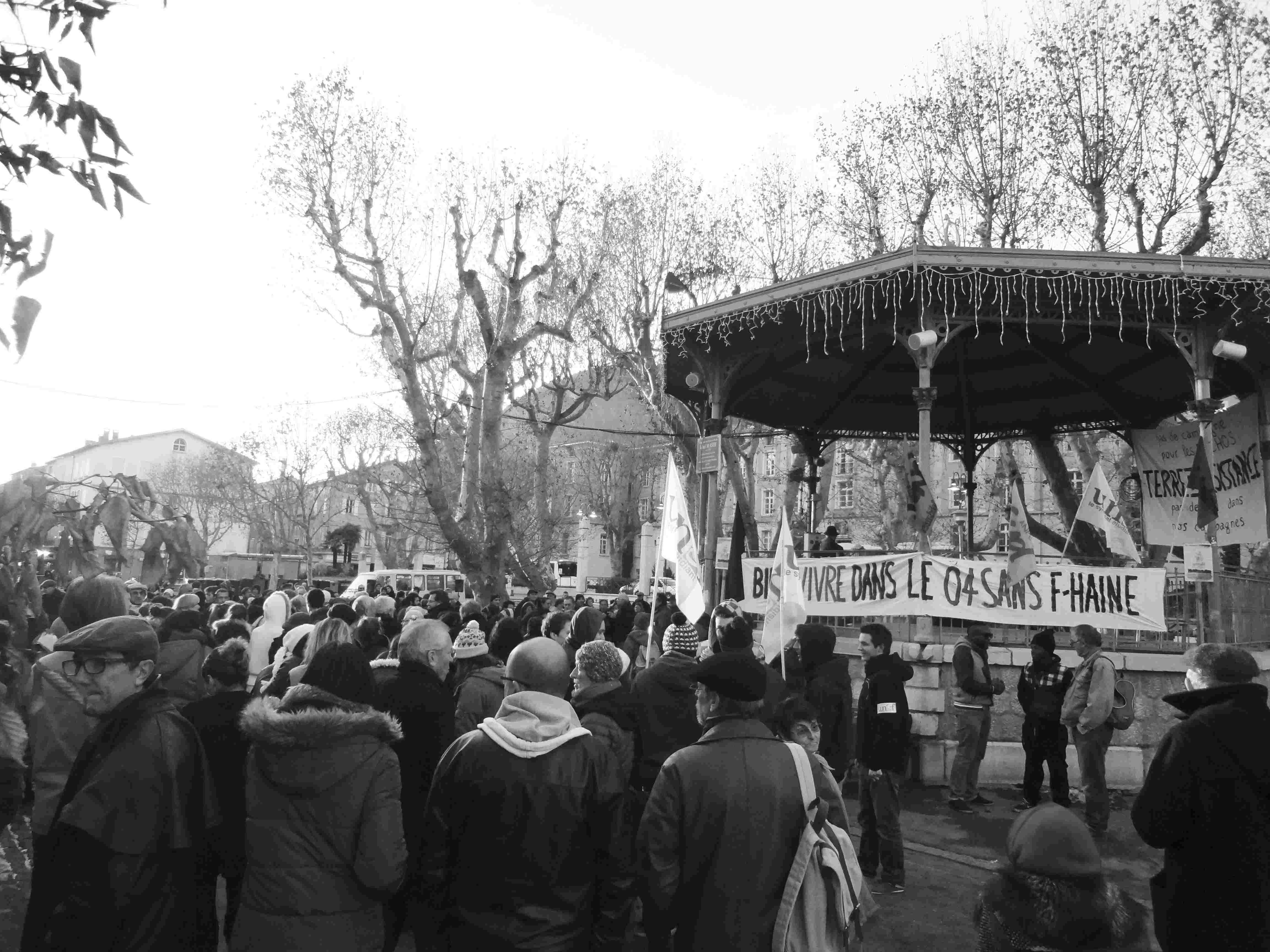 Kundgebung gegen einen Besuch von Marine Le Pen in Digne-les-Bains im November 2013