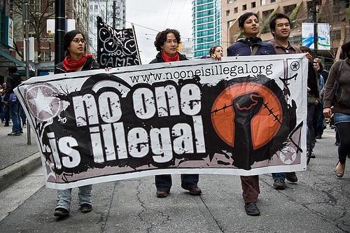 Klare Botschaft auch in Vancouver: Kein Mensch ist illegal!