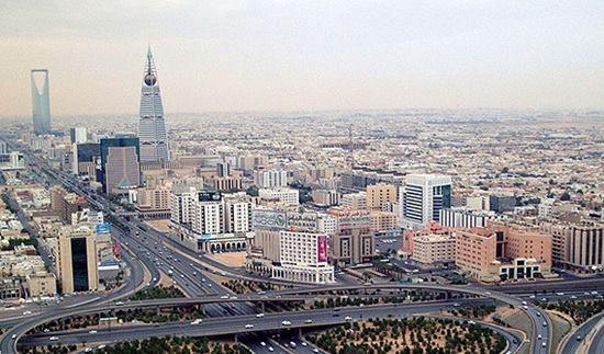 Die Skyline von Riad wurde auf Öl gebaut - und auf hemmungslose Ausbeutung
