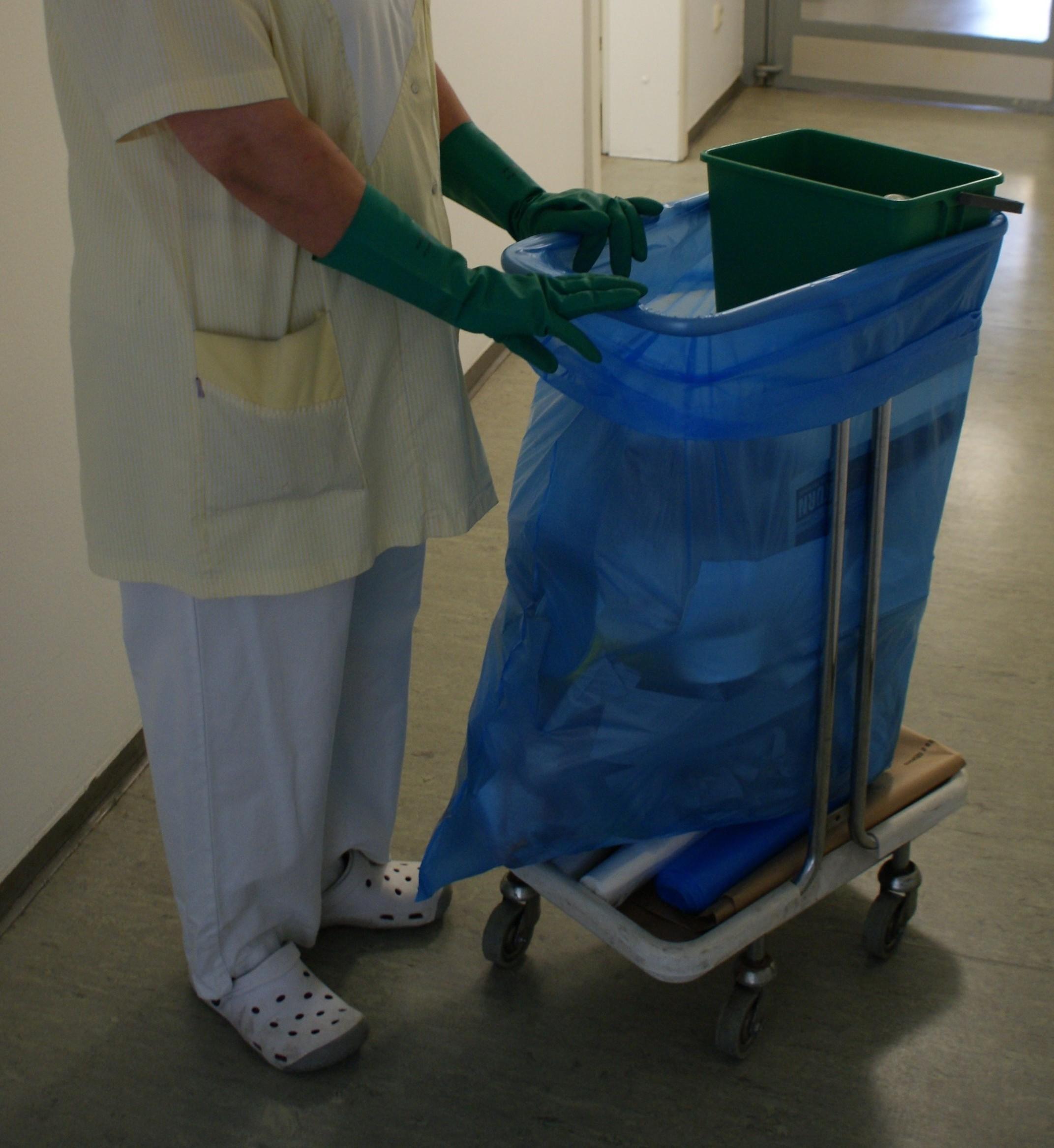 Die Arbeit von Reinigungskräften bleibt oft unsichtbar.