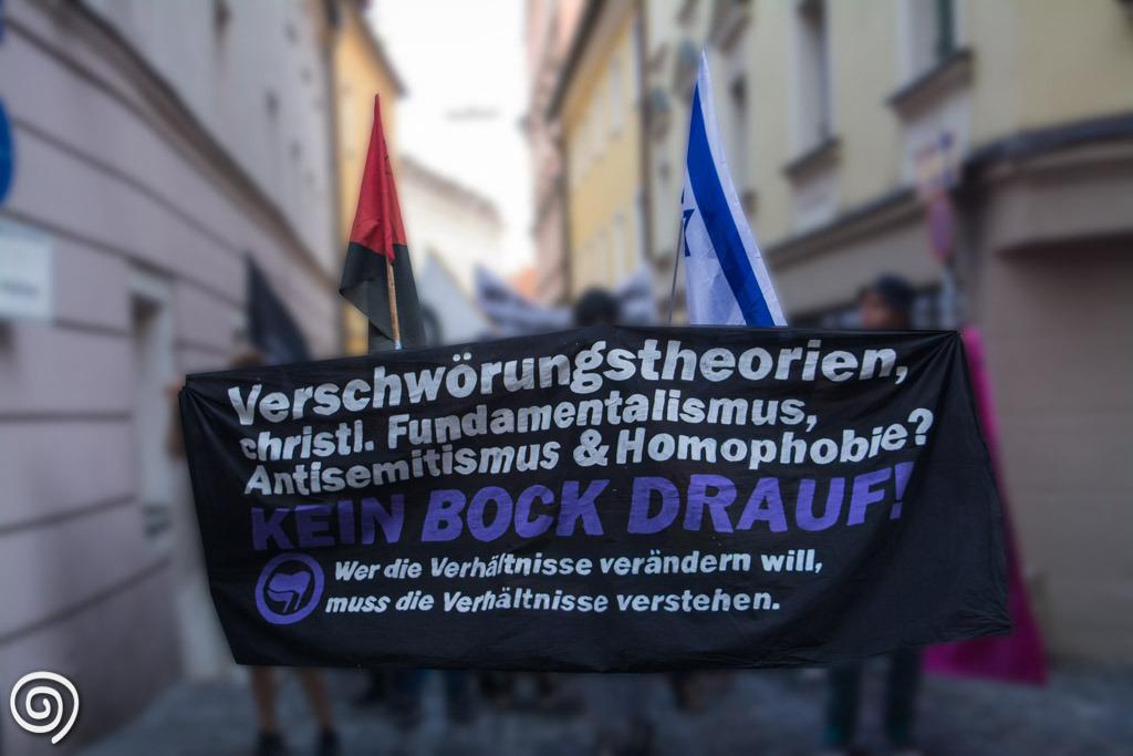 Protest begleitete den Auftritt Naidoos in Regensburg 2015