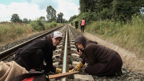 Filmszene: AktivistInnen bei Castorblockade