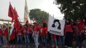 Streik und Protestzelt der FBLP vor der Nähfabrik im Industriepark Nordjakartas